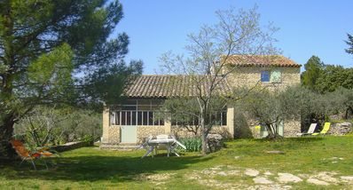 Cottage in the heart of the olive trees in Gordes