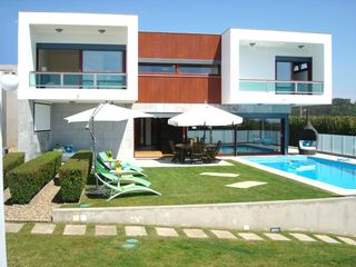 Ericeira villa photo - Villa's exterior view (day)