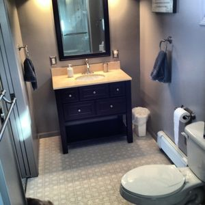 Petoskey cottage rental - Second Floor Master Bath with shower