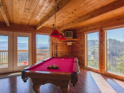 Pigeon Forge cabin rental - Regulation Red pool table, TV, music channels, DVD player