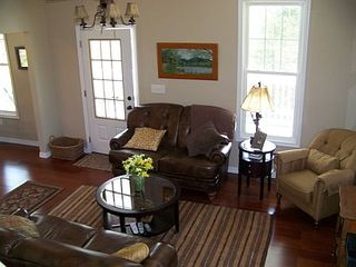 Lost River farmhouse photo - Super comfortable living room w/9ft ceilings
