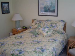Atlantic Beach villa photo - Primary bedroom with Queen bed and private bath