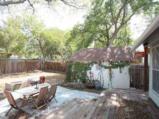 Austin house photo - Wonderful outdoor entertaining area, complete with firepit and seating area!