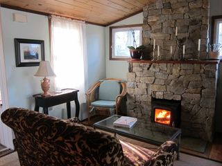 New Haven cottage photo - A cozy fire at the adjacent guest house
