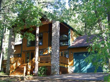 Pinetop cabin rental - Summer at the Ponderosa Lodge