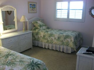 Sanibel Island condo photo - Twin beds for your guests who love to visit.