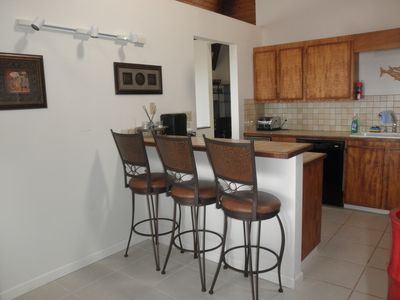 Ocean View house rental - Kitchen with breakfast bar