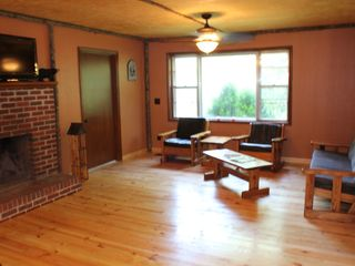 Blairsville cabin photo - Very comfortable living room