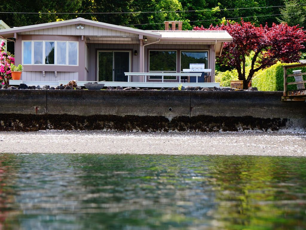 Waterfront Cottage In Union On Hood Canal Vrbo