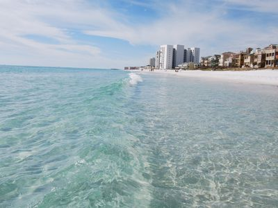 Pelican Beach condo rental - On a clear ocean day you can see your toes in 4 ft. of water.