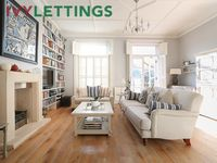 Palliser Road (IVY LETTINGS), Fulham, Sleeps 4