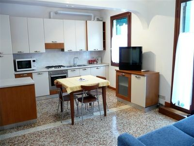 2 bedroom apartments CANAL VIEW, HISTORICAL CENTER OF VENICE, SUNNY