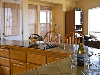 Bandon house photo - Large Open Fully Equiped kitchin and wet bar.