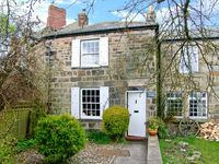 QUINCE COTTAGE, family friendly in Longframlington, Ref 2017