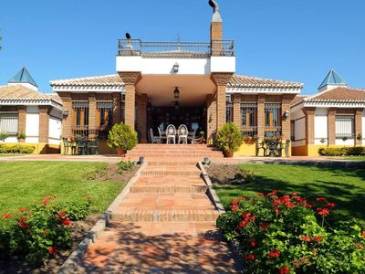 CERRO DEL MORO: HOUSE IN THE COUNTRY with pool, paddle tennis and more