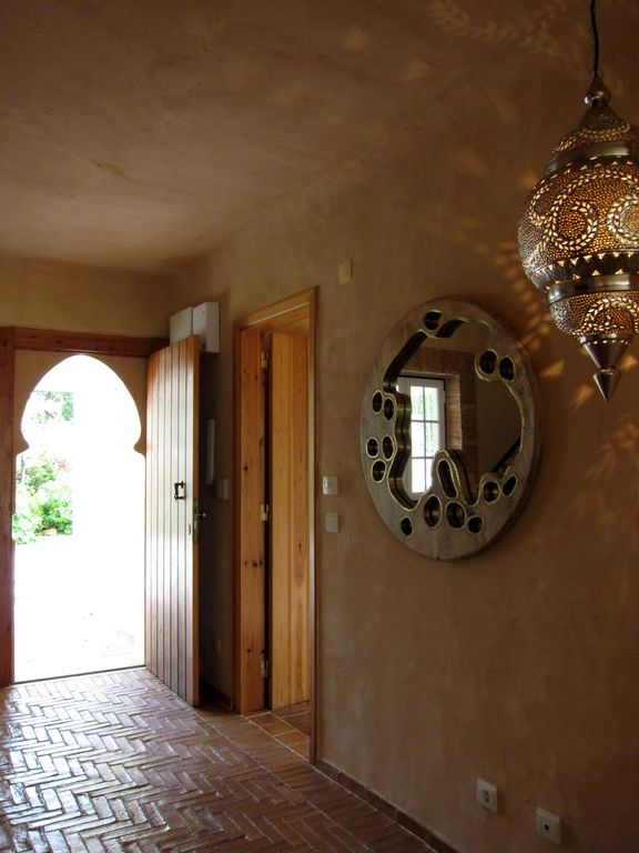 Main entrance: An Arabesque welcome
