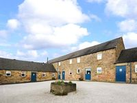 WARDLE COTTAGE, pet friendly, with a garden in Shottle, Ref 9206