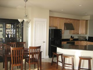 Vacation Homes in Ocean City townhome photo - Dining/Kitchen Area