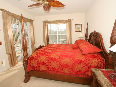 Emerald Island villa rental - The majestic Red Master Suite