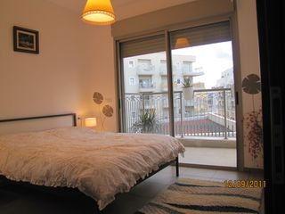 Tel Aviv apartment photo - Bedroom and its sunny balcony