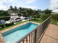 Tropical Palm Beach Waterfront Luxury