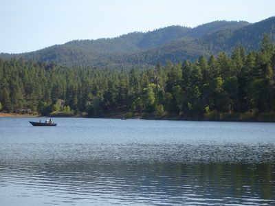 Lake Mary. Swimming, Boating, Fishing...15 minutes from the house!