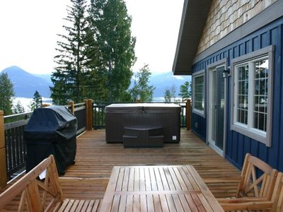 400 sqft deck with private hot tub, views of Golden and Blaeberry