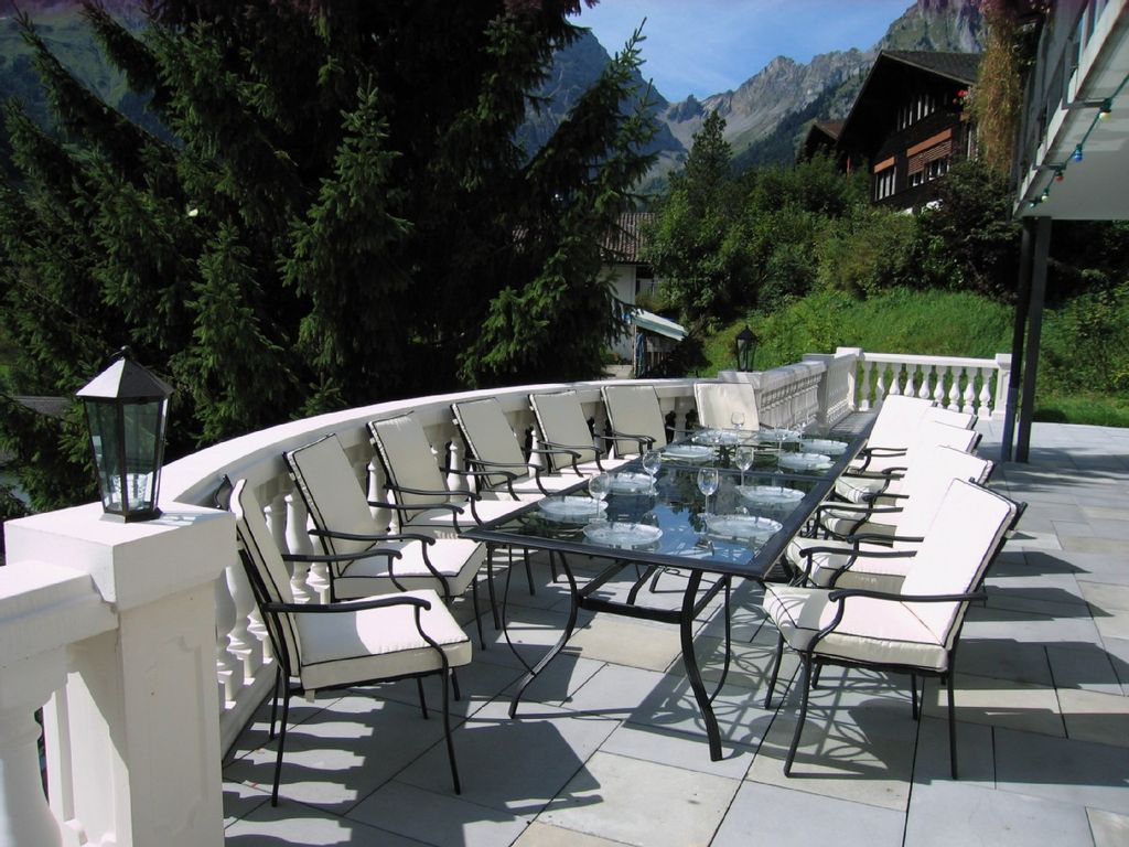 Engelberg titlis large classic cottage homeaway for Terrace engelberg
