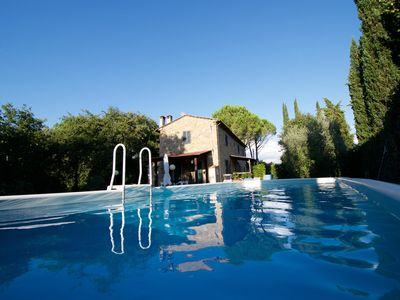 Romantic Tuscan cottage with a pool for 7 people