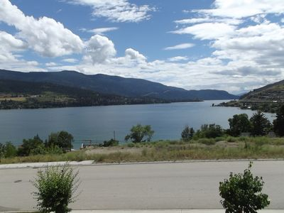 Stunning Kalamalka Lake in all it's glory just waiting to be played in!!