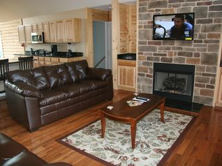 Luray cabin photo - Living Room Area with fireplace and flat screen tv