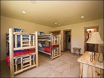 Bedroom 4 - 2 bunk beds