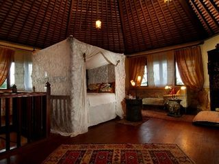 Ubud villa photo - The upstairs guest bedroom is beautifully decorated
