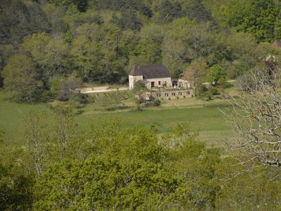 Beautiful Perigordine House with large pool and stunning views near Lascaux - 6 bedroom country house with stunning views/private pool. Sleeps 8-12