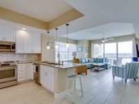 BRAND NEW PET FRIENDLY Waterfront Condo, Booking Late Fall & Winter