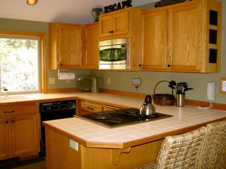 Sunriver house photo - Bright well equipped kitchen