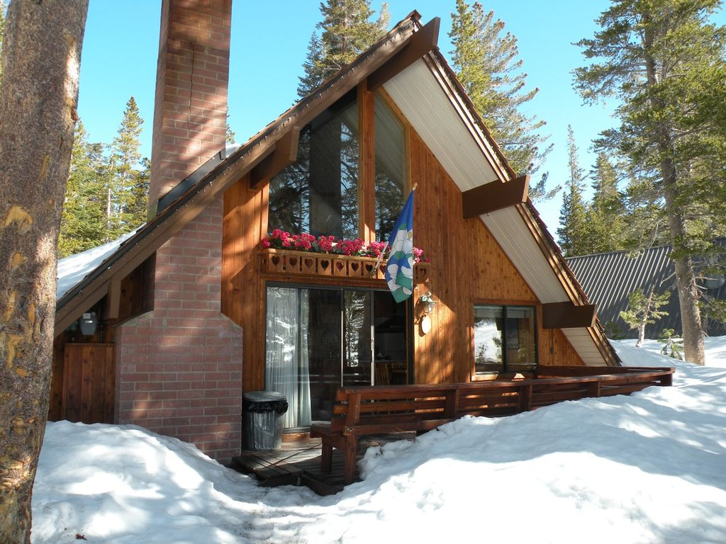 Ski In Ski Out Slope Side Cabin Chalet 17 3 Br Vacation Cabin For Rent In Mammoth Lakes