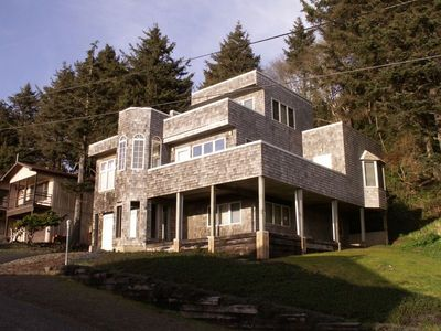 Cannon Beach Retreat Vacation House