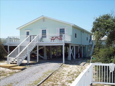 4 BED, PET FRIENDLY, CUTE BEACH COTTAGE W/ PRIVATE POOL