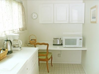 Mendocino house rental - Other side of kitchen