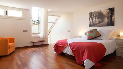 Rent your apartment (for 4 people) in the historic center of Barcelona