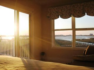 Vacation Homes in Ocean City townhome photo - Master Suite at Sunrise