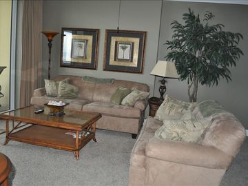 Emerald Isle condo rental - Custom paint and Tommy Bahama furnishings!