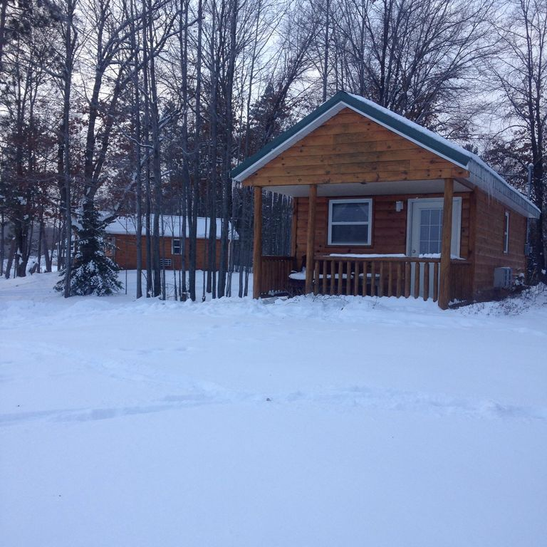 Secluded Log Cabin On Our Private Lake!