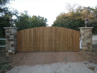 Austin house photo - Enter the automatic gates of Mesquite Retreat!