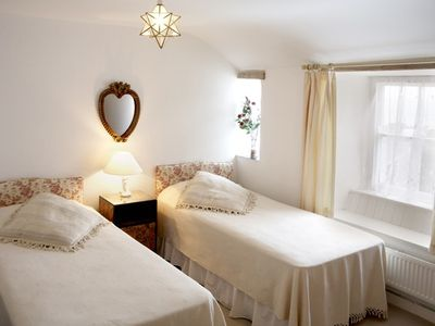Marazion cottage rental - Trevara pink bedroom