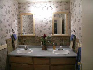 Bozeman house photo - Dual sinks in the bathroom