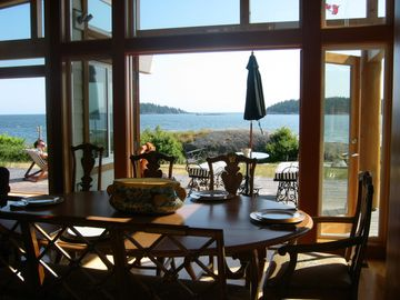 Sechelt villa rental - The Great Room opens up to the deck and the Pacific Ocean