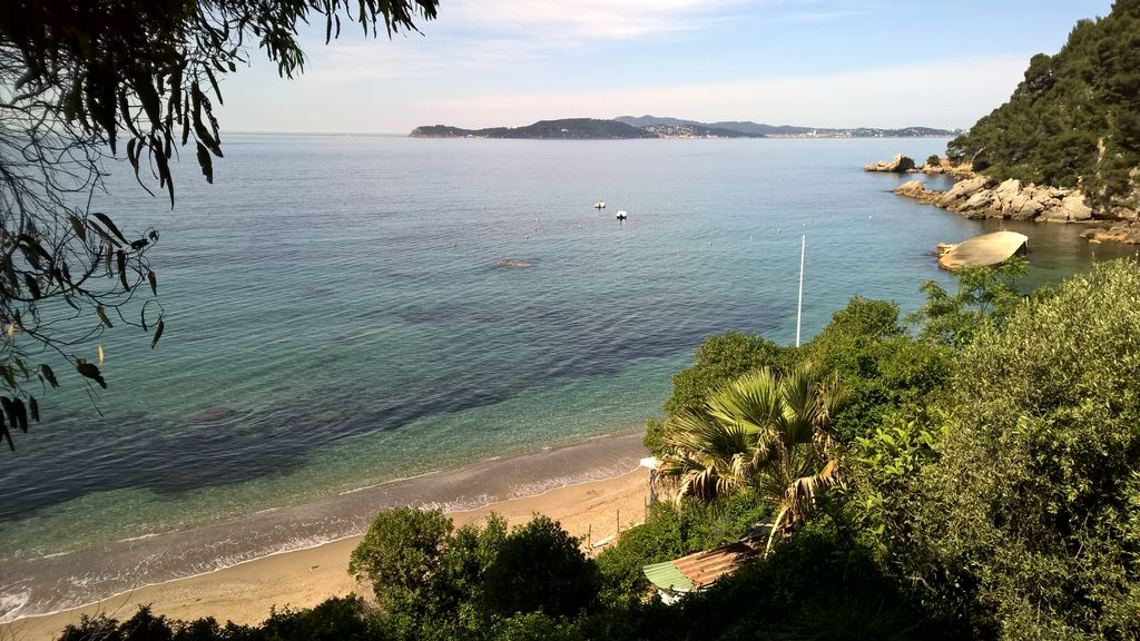 *** Great 40sq apartment, 1 bedroom, balcony with sea view, 50m from the beach