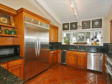 "Kitchen with 22"" Flat Screen TV, Ocean and Park View, Wine Cooler"